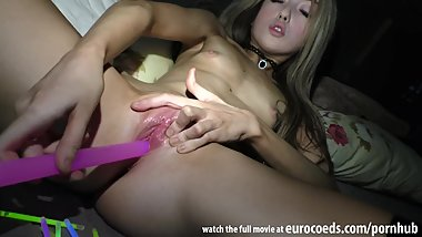 tiny barely 18 jessi empera stretching her tight pussy to painful gape