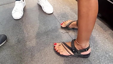 teen sexy tanned feets sexy big red toes
