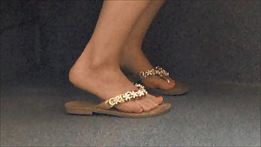 Candid Feet #1 (& faceshot)