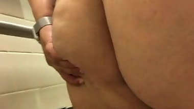 Bbw farting and pissing