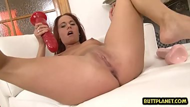 Hot pornstar dildo with cumshot