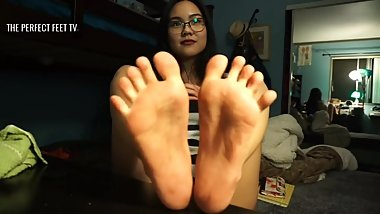 Wonderful Asian girl shows her delicious feet in cam