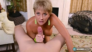 MATURE WHORE TRACY LICKS SUCK AND FUCKS BIG COCK