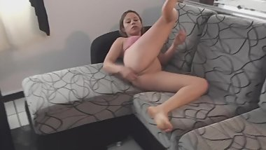 Sexy girl smelling her fingers - ThisVid.com