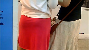 Medium size cellulite whooty pawg in pink skirt