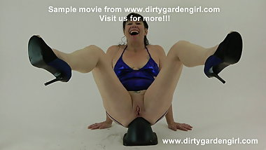 Huge cone in loose Dirtygardengirl ass & anal prolapse