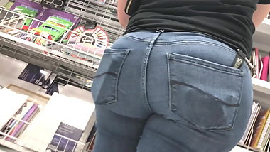 Short Latina MILF Has A Big Ass