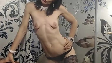 skinny mature shows body on cam