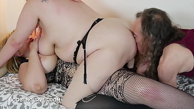 Lila fucks her GFs pussy while Art fucks her ass