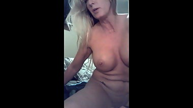 amateur milf masturbating dp selfie