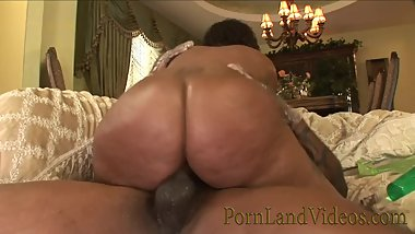 FAT BLACK ASS riding BBC