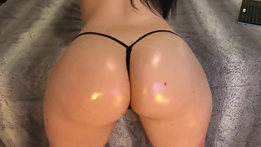 Perfect Pawg Oil Ass Booty www.onlyfans.com/heatherheart