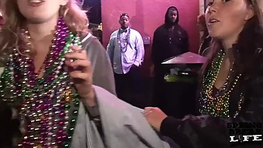 girls flashing on bourbon street