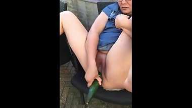 MILF Loves Veggies