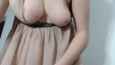 Teen girl saggy tits squirting webcam