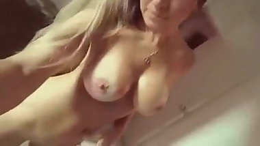 She make sexy video for her bf