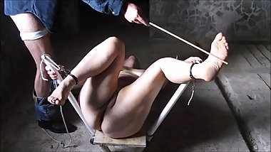 feet torture of slave Corinne